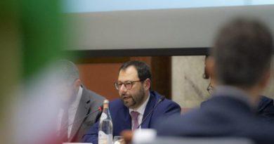 Stefano Patuanelli, foto Mise.gov.it