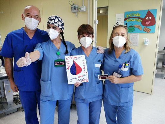 Gli operatori del centro trasfusionale