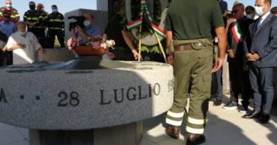 Le istituzioni ricordano le vittime di Curraggia