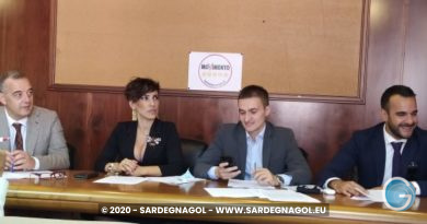 Grupppo M5S In Consiglio Regionale, foto Sardegnagol riproduzione riservata