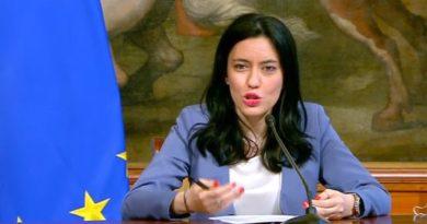 Lucia Azzolina, foto Governo.it