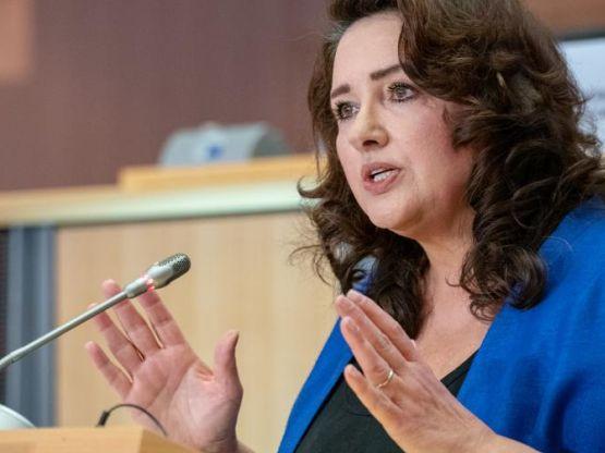 Helena Dalli, foto https://www.europarl.europa.eu/