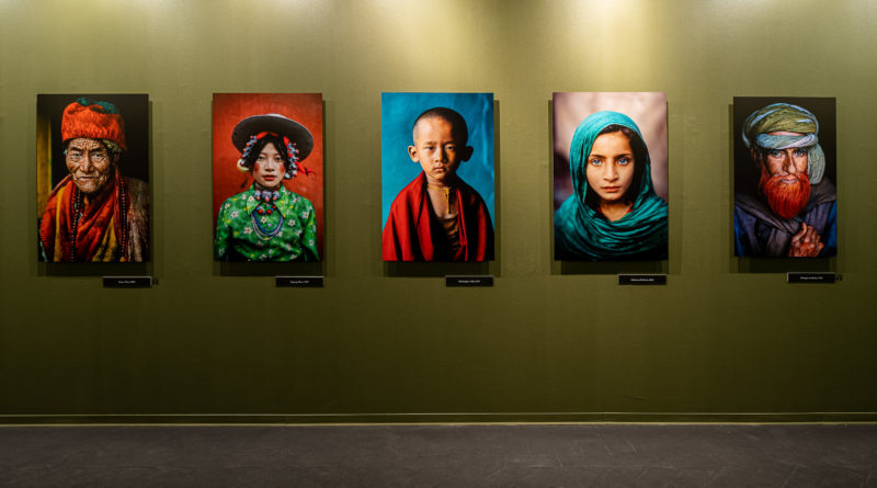 Allestimento mostra Steve McCurry, foto Giorgio Marturana