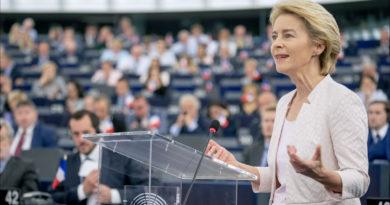 Ursula von der Leyen, European Parliament from EU - Ursula von der Leyen presents her vision to MEPs, CC BY 2.0