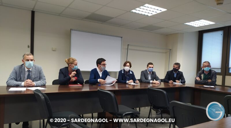 Conferenza stampa, opposizione, foto Sardegnagol, riproduzione riservata 2020