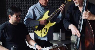 Massimo Ferra Trio