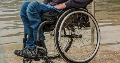 Sedia a rotelle, Foto di Steve Buissinne da Pixabay