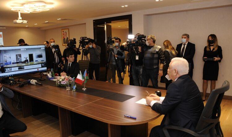 La firma dell'accordo Ansaldo enrgia- Azenerji