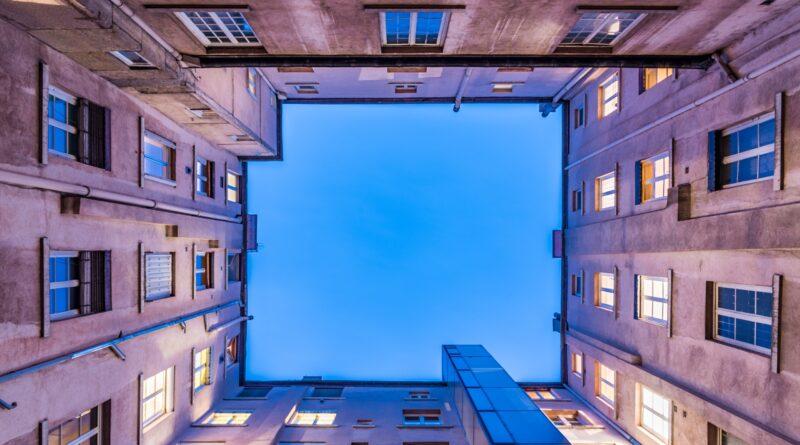 Edifici, Foto di Ludovic Charlet da Pixabay