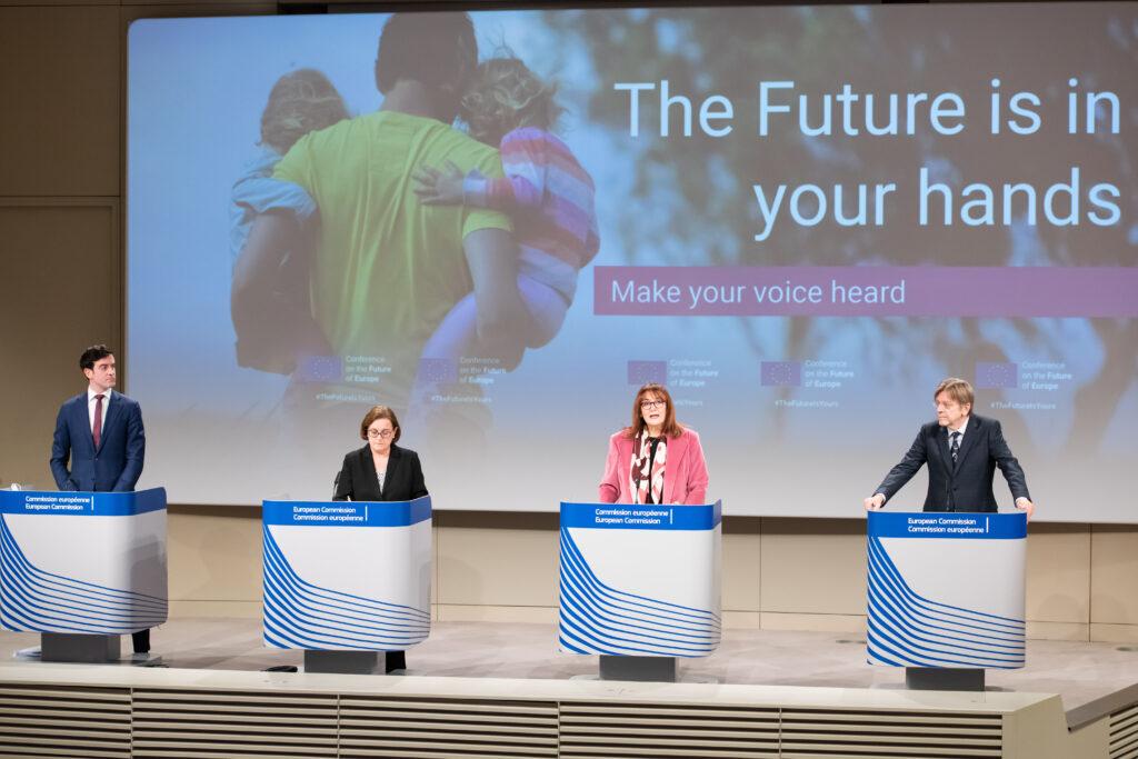 Dubravka Šuica, Guy Verhofstadt, Ana Paula Zacarias, foto European Unione, 2021 EC-Audiovisual Service / Aurore Martignoni
