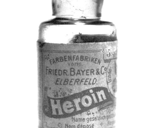 Una fiala del farmaco Heroin prodotto dalla Bayer