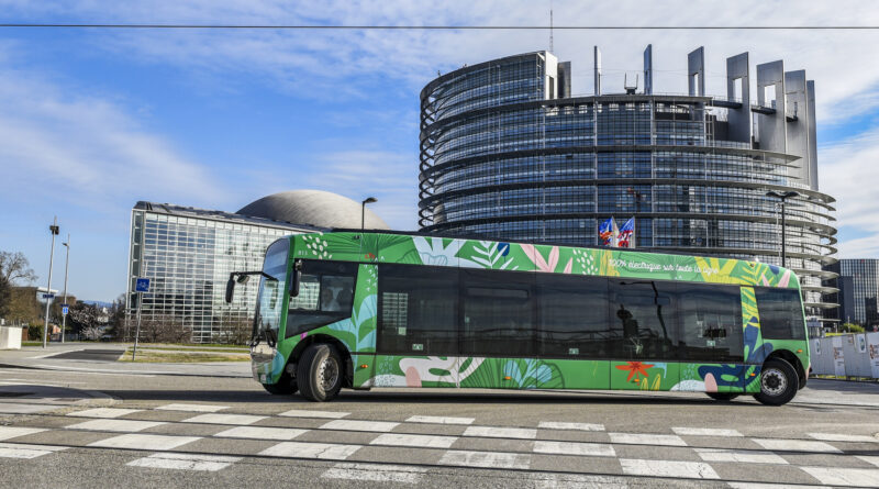 Bus, foto European Parliament 2021, source EP, Engel