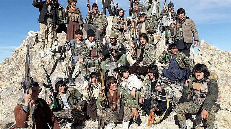 Combattenti Afghanistan, foto Hamidghazniwal Creative Commons Attribution-Share Alike 4.0 International