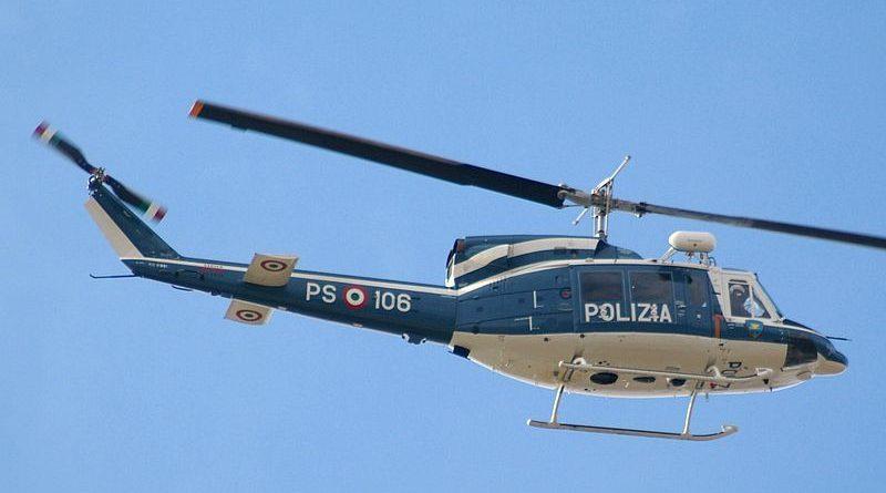 Elicottero, fonte Agusta-Bell AB.212 1º Reparto Volo Pratica Di Mare/Jerry Gunner