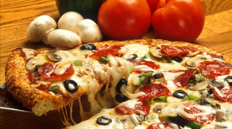 Pizza, PublicDomainImages from Pixabay